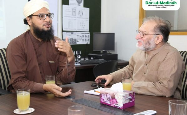 Orya Maqbool Jan, a famous columnist, poet, author of many books and former civil servant visited Head Office of Dar-ul-Madinah International Islamic School System!